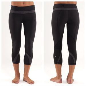 Lululemon Run: Inspire Crop ll